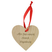 Herz aus Holz mit Band als Anhänger für Geschenke mit Gravur Namen